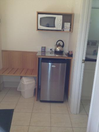 Ross, Australia: Our little kitchen area
