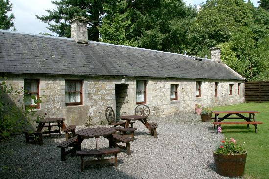 Culcreuch Castle Hotel: The Courtyard