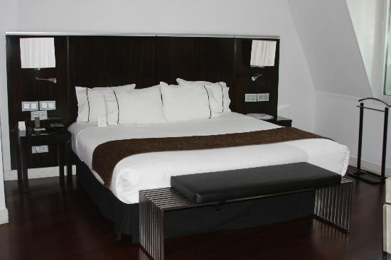 AC Santo Mauro, An Autograph Collection: Superior King Bedded Room