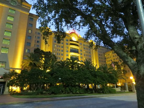 The Florida Hotel and Conference Center: Front of the hotel