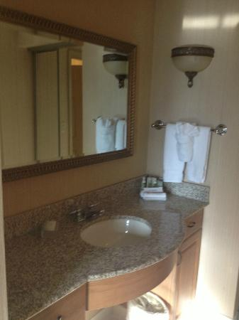 Homewood Suites by Hilton Hartford South-Glastonbury: Bath sink area