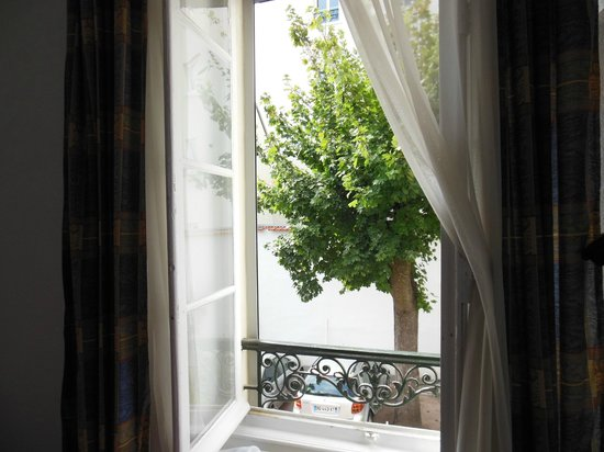 Hotel de Naples: from the room