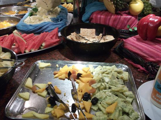 Holiday Village: Cheese board - looked good but didnt taste of anything and was sweaty by the time we ate at 8pm