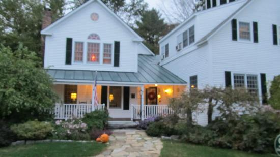 Newfane, Вермонт: This is the check in house, restaurant and bar