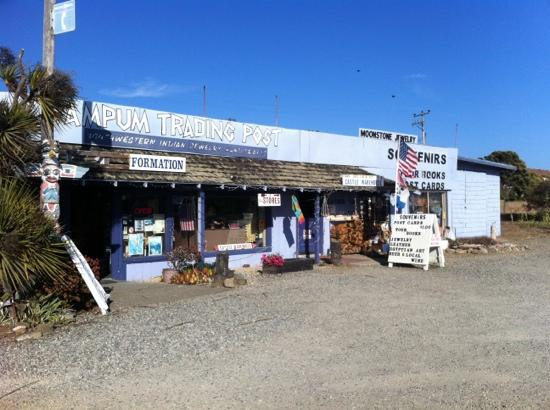 Silver Surf Motel: Trading post nearby