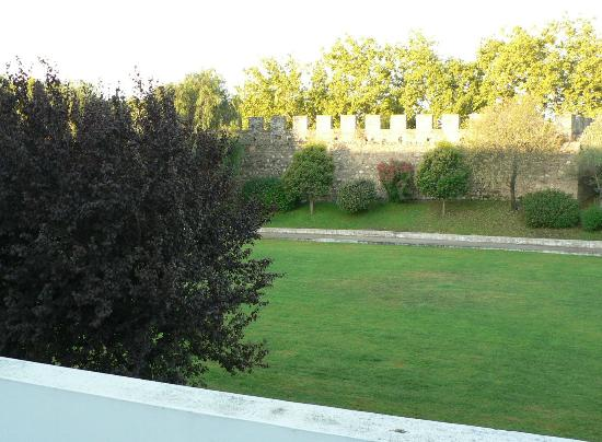 M'AR De AR Muralhas: View of the city wall from our balcony