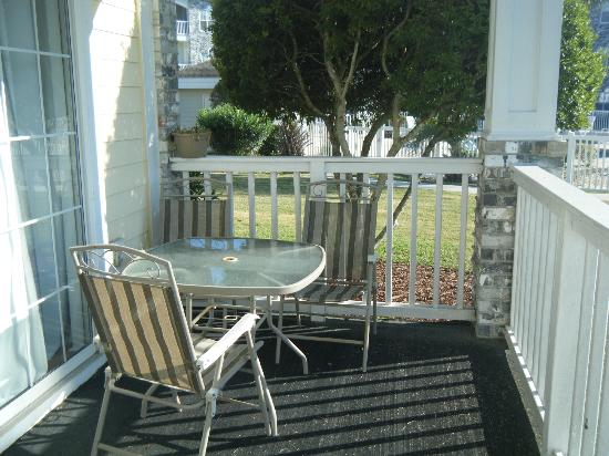 Myrtlewood Villas: balcony furniture