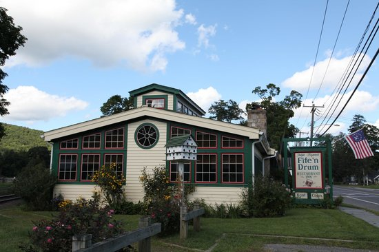 ‪Fife 'n Drum Inn‬