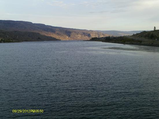Pateros, WA: Beautiful view from the room!!!