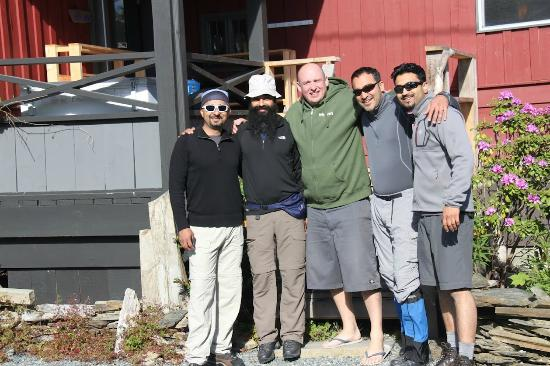 Big Fish Lodge: With the host/owner (in green).