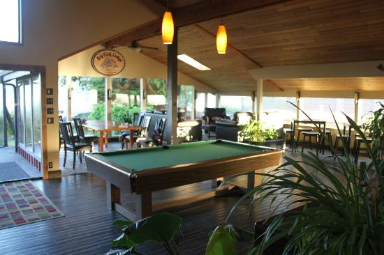 Big Fish Lodge: pool table...