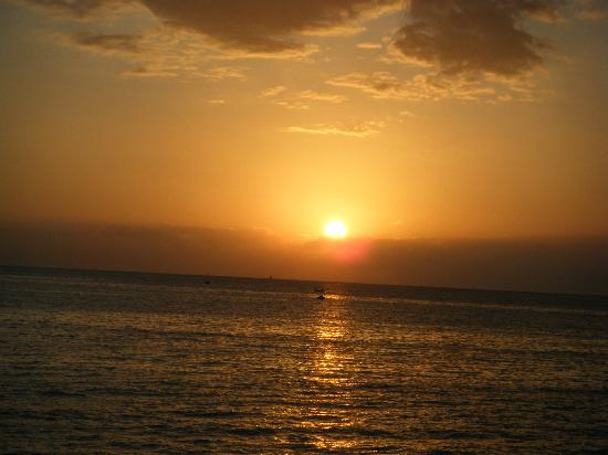 Apartments Laguna Bellevue: Sunset over the sea :)