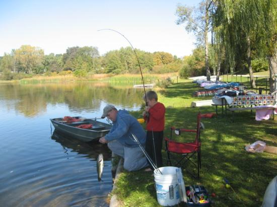 Indian Trails Campground: Fishing (Bass)