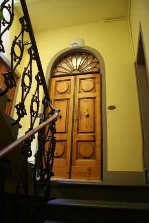 Soggiorno Pezzati Daniela: ingresso b&amp;b
