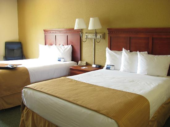 Quality Inn and Suites: Updated Double Room - Renovations in Progress
