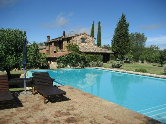 Relais Ortaglia: Pool Area