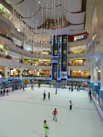 Sunway Resort Hotel & Spa: Sunway Pyramid Shopping Centre Ice Rink
