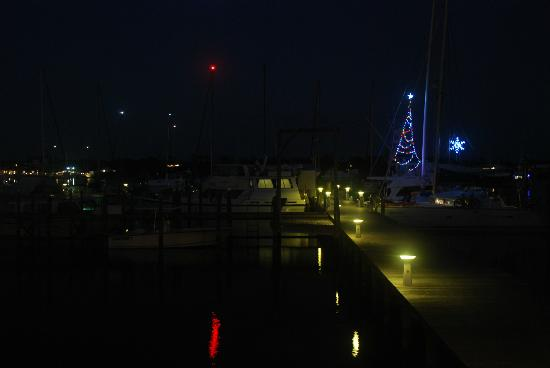 Green Turtle Cay: Bluff House Marina at Night