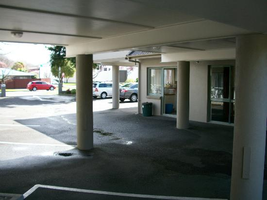 Accolade Lodge Motel: le parking