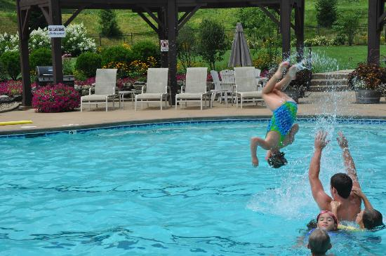 Maggie Valley Club & Resort: Our swimming pool is surrounded by lovely mountains