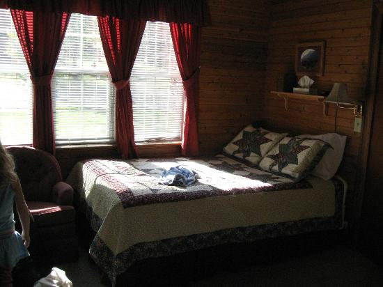 Crandell Mountain Lodge: Full/Double Bed