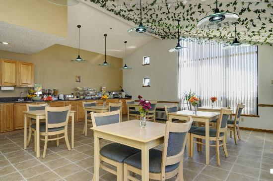 Quality Inn Kewanee: Dining Area