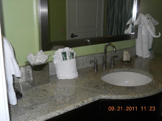 Hilton Grand Vacations Club at South Beach: bathroom