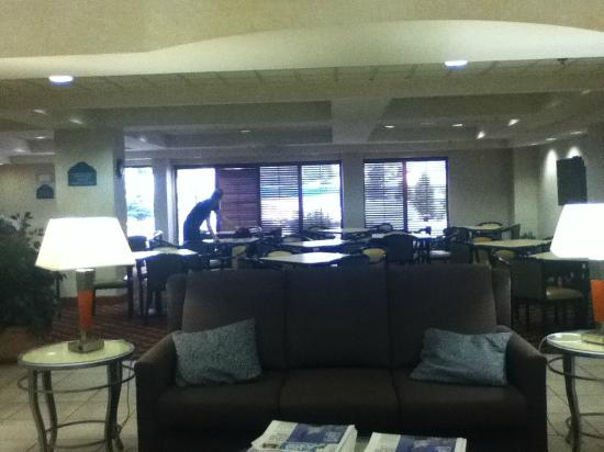 lobby picture of wingate by wyndham allentown allentown. Black Bedroom Furniture Sets. Home Design Ideas