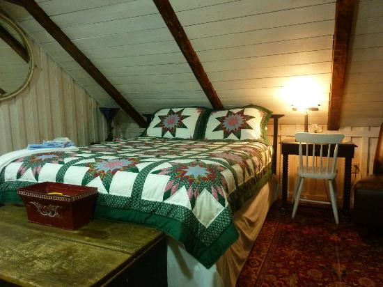 Holdsworth House Bed and Breakfast: James Addington Holdsworth comfy bed