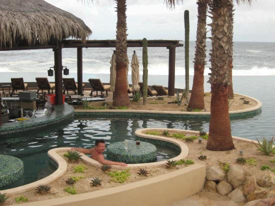 Grand Solmar Land&#39;s End Resort &amp; Spa: Pool Bar and In Pool Tables