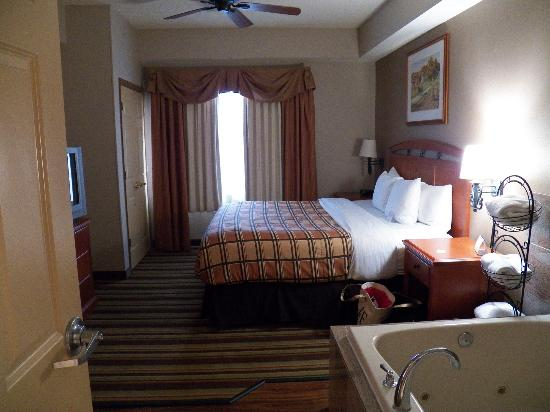 Country Inn & Suites/Hagerstown: king bed