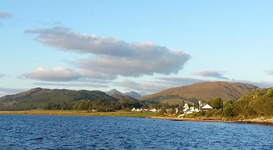 Port Appin, UK: Coast view from the hotel