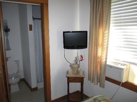 Isleview Motel and Cottages: Double room