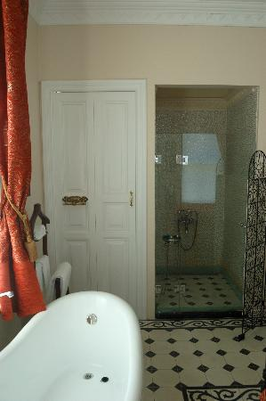 Villa Hagia Sophia: view from bedroom to toilet and shower