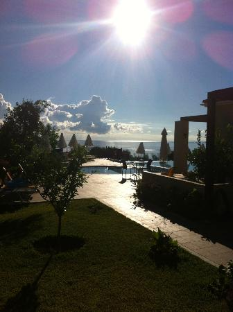 Livadaki Village Hotel: Early morning View