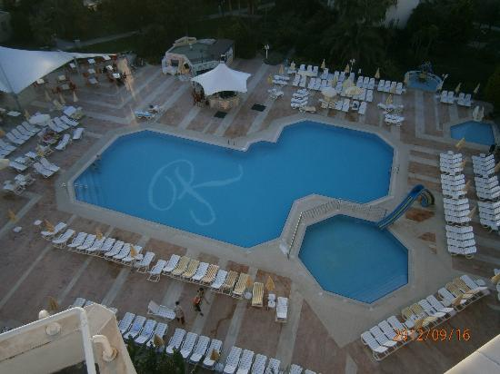 Richmond Ephesus Resort: The pool area