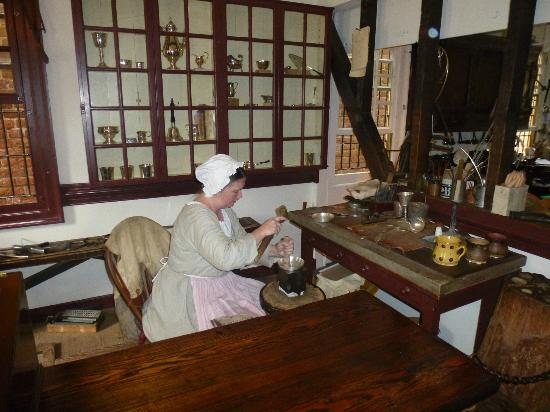 Silversmith picture of colonial williamsburg for To do in williamsburg