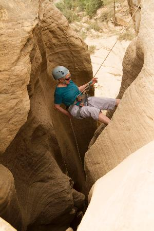 Zion Ponderosa Ranch Resort: Marty rappelling