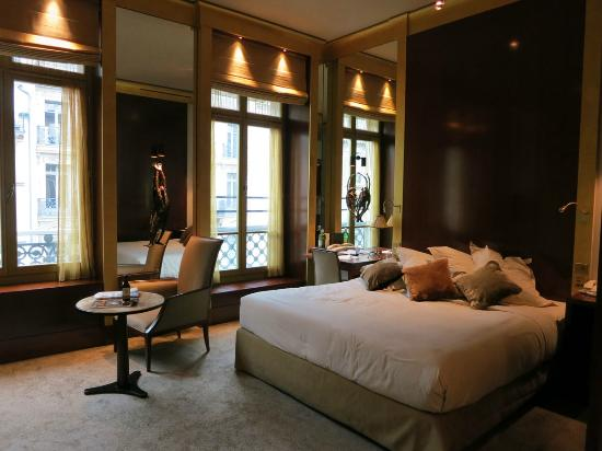 Park Hyatt Paris - Vendome: Room during the day