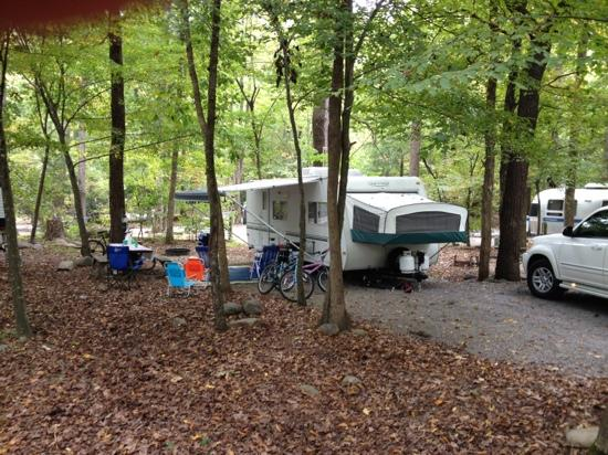 Townsend / Great Smokies KOA: campsite 74A, beautiful, but difficult to back into!