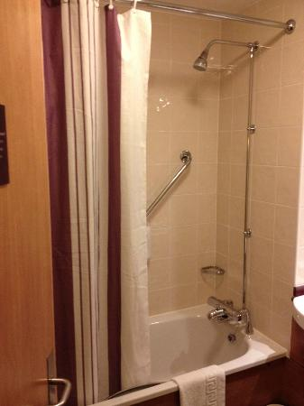 Premier Inn Taunton Central - North: Ducha