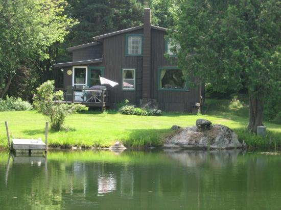 West Glover, Vermont: private seasonal rental cabin