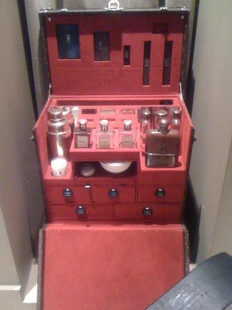 Park Hyatt Paris - Vendome: Louis Vuitton specially made tool case