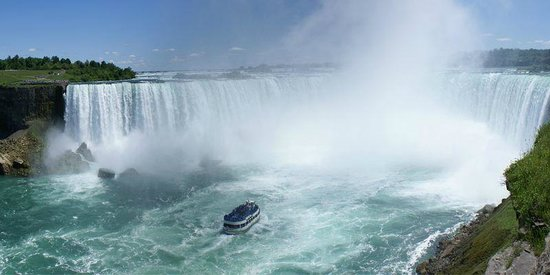 BG Tours Canada -  Toronto to Niagara Falls Day Tour