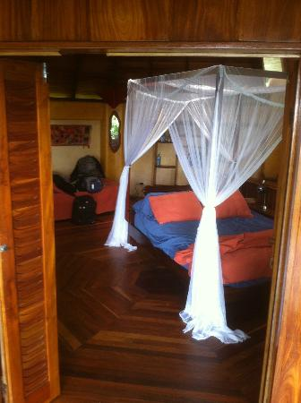 Hotel Amor de Mar: Upstairs Bedroom
