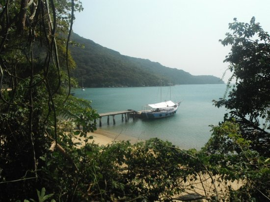 Lagoa Azul: the excursion boat waiting for us