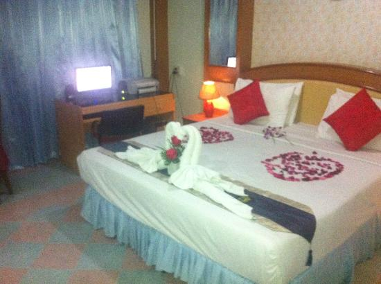 Lamai Hotel: more bed