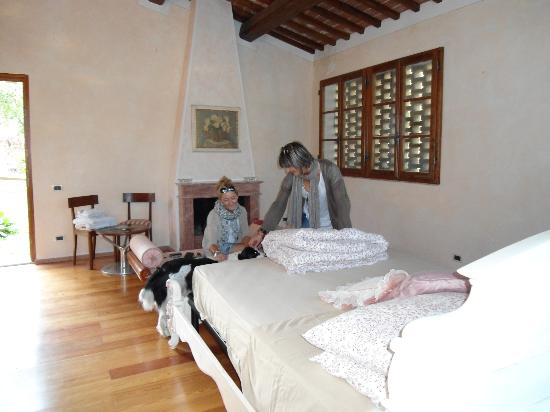 Sulle Orme di Dante Agriturismo: maria e silvia palma da maiorca