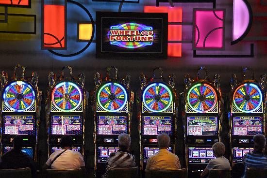 Hanover, MD: Wheel of Fortune slot machines