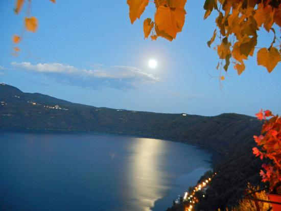 Castel Gandolfo, Italy: Full moon